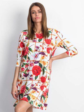 Sukienka biała w kwiatowe desenie