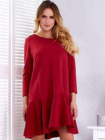 Sukienka ciemnoczerwona z szeroką falbaną i dekoltem łezką z tyłu
