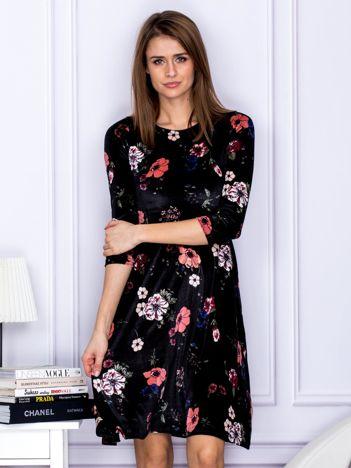 Sukienka czarna aksamitna w kwiaty