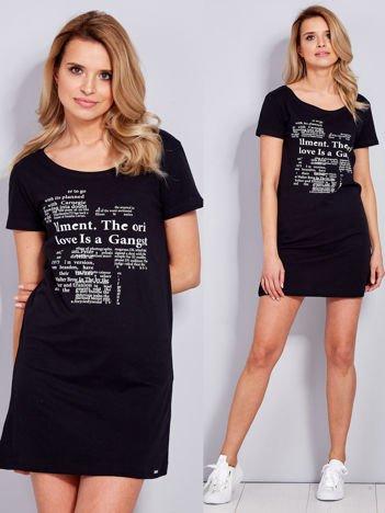 Sukienka czarna bawełniana z nadrukiem newspaper