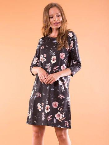 Sukienka czarna oversize w kwiatowy wzór