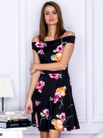 Sukienka czarna w kontrastowe kwiaty