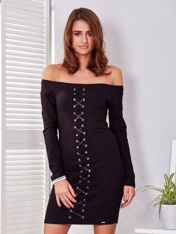 Sukienka czarna w prążek ze sznurowaniem