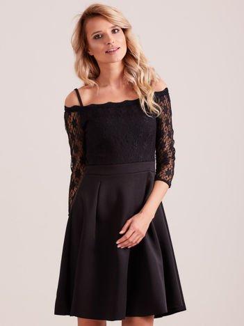 Sukienka czarna z koronkową górą i cienkimi ramiączkami