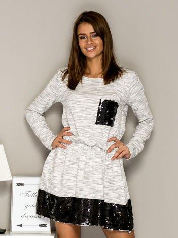Sukienka dresowa z cekinowymi wstawkami ecru