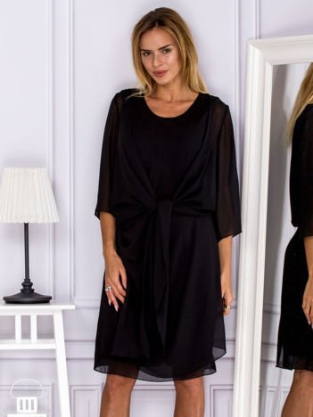Sukienka koktajlowa z drapowaniem i narzutką czarna