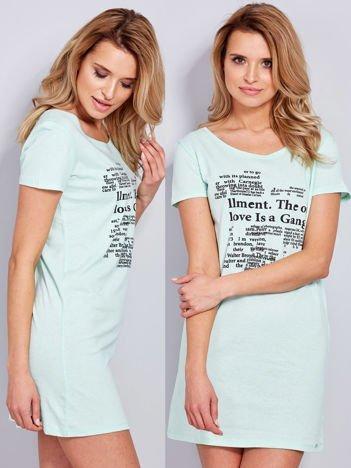 Sukienka miętowa bawełniana z nadrukiem newspaper