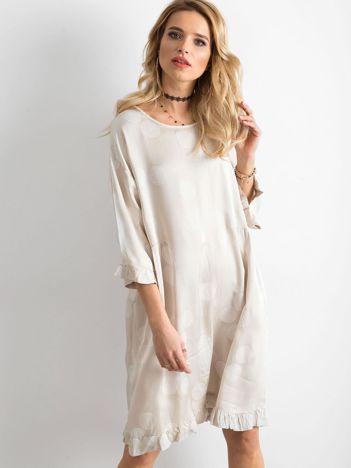 Sukienka we wzory beżowa