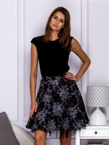 Sukienka wieczorna z ozdobną spódnicą i tiulem czarna