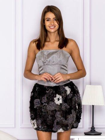 Sukienka z ozdobą spódnicą szara