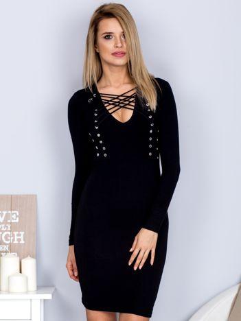 Sukienka z ozdobnym sznurowaniem czarna