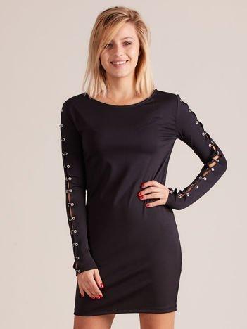 Sukienka z ozdobnymi rękawami czarna
