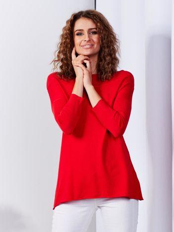 Sweter damski czerwony z szerokim ściągaczem przy dekolcie