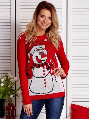 Sweter świąteczny z zabawnym bałwankiem czerwony