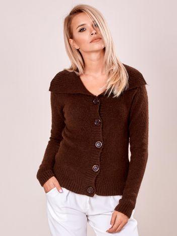 Sweter z kołnierzem damski brązowy