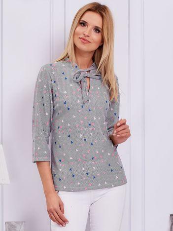 Szara bluzka w geometryczne wzory z wiązaniem