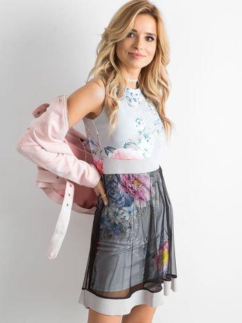 Szara sukienka koktajlowa z tiulową spódnicą