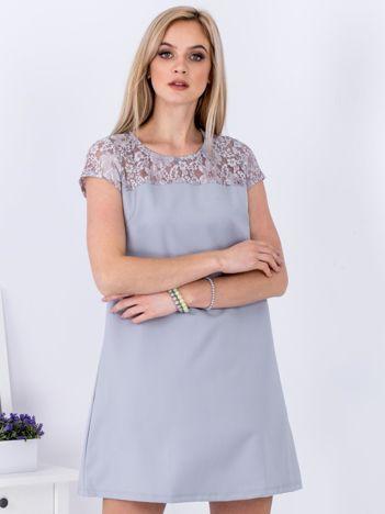 Szara trapezowa sukienka z koronkową górą