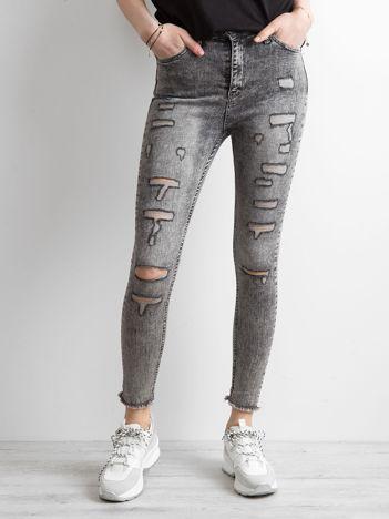 Szare jeansy skinny z efektem sprania