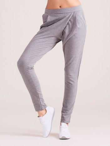 Szare kopertowe spodnie dresowe z kieszeniami