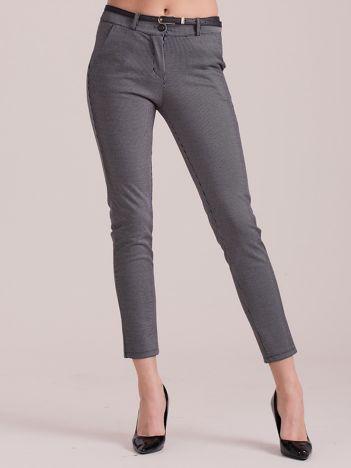 Szare spodnie w paski