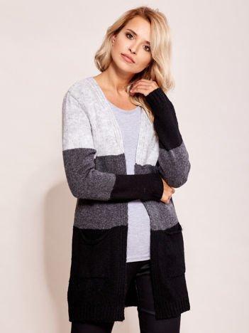 Szaro-czarny sweter narzutka z kieszeniami