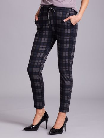 Szaro-niebieskie spodnie w kratkę
