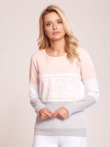 Szaro-różowa bawełniana bluza z nadrukiem tekstowym