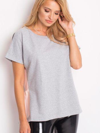 Szaro-różowa bluzka oversize z falbanką