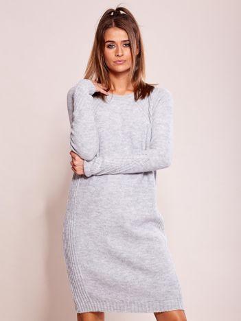 Szary długi sweter o kroju oversize