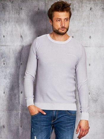 Szary sweter męski z imitacją kieszeni