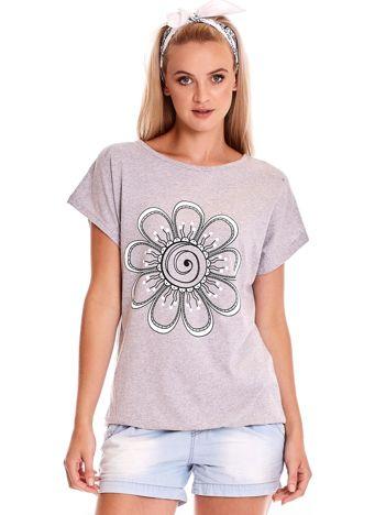 Szary t-shirt damski z kwiatem