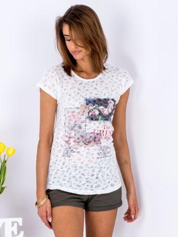 T-shirt biały z kolorowym printem