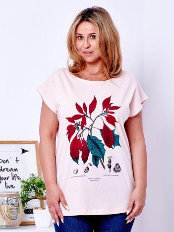 T-shirt brzoskwiniowy z roślinnym printem PLUS SIZE