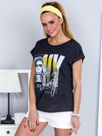 T-shirt ciemnoszary z miejskim printem