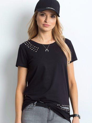 T-shirt czarny z aplikacją i rozcięciami