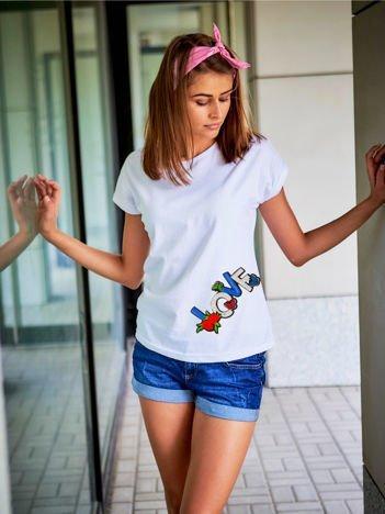 T-shirt damski biały z naszywką LOVE