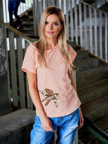 T-shirt damski brzoskwiniowy z naszywką BIRD