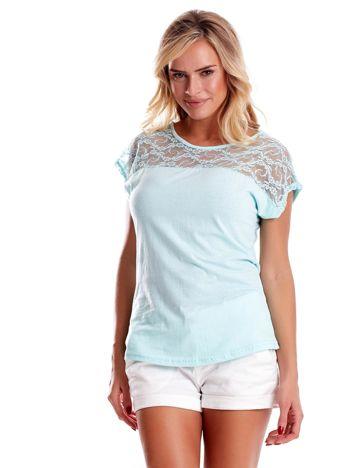 T-shirt damski miętowy z koronką