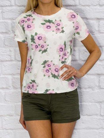 T-shirt damski z motywem floral print biały