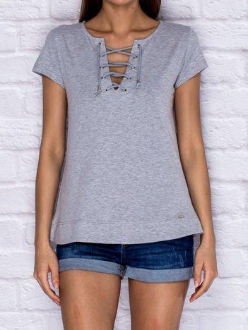 T-shirt damski z wiązaniem szary
