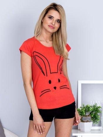 T-shirt koralowy z króliczkiem