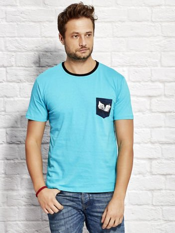 T-shirt męski z nadrukiem na kieszonce turkusowy