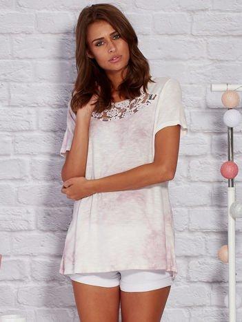 T-shirt z motywem acid wash jasnofioletowy