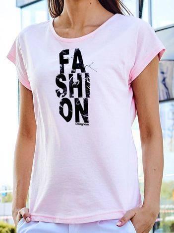 T-shirt z nadrukiem FASHION jasnoróżowy