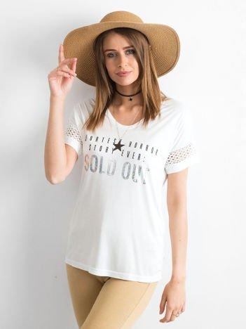 T-shirt z napisem SOLD OUT i koronką ecru