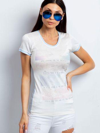 T-shirt z pastelowym nadrukiem jasnoniebieski