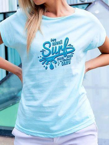 T-shirt z surferskim nadrukiem turkusowy