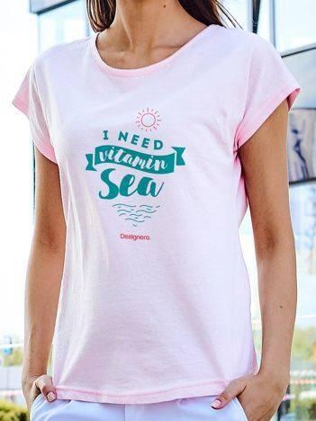 T-shirt z wczasowym nadrukiem jasnoróżowy