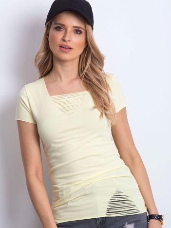 T-shirt żółty z drobnymi rozcięciami